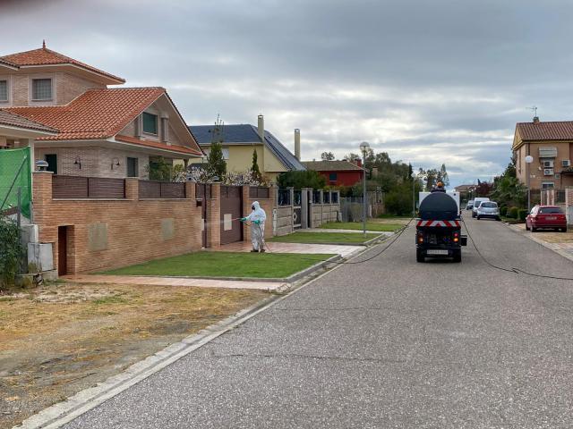 CORONAVIRUS | El municipio de Pepino desinfecta calles en el casco y las urbanizaciones