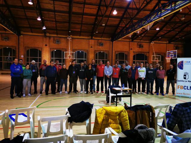 La Junta destaca la importancia de la formación de entrenadores en el I Seminario de Minibasket