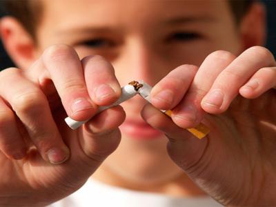 Lanzan una campaña para impedir el tabaquismo en jóvenes y prevenir el cáncer de laringe