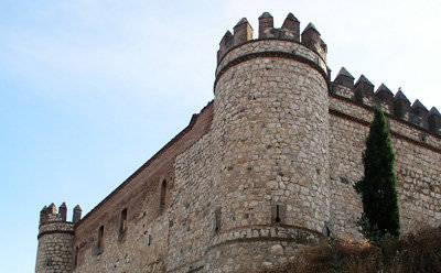 El Gobierno gastó 7,4 millones en reformar el Castillo de Maqueda y ahora lo vende por 5,3