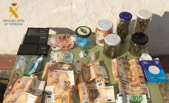 La Guardia Civil detiene a una persona por un delito de tráfico de drogas en Malpica de Tajo