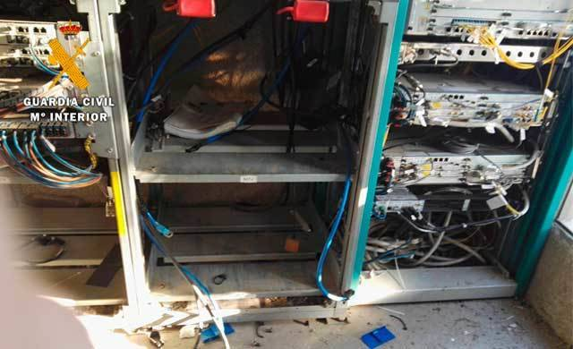 Dos detenidos cuando huían con cuatro baterías que acababan de robar