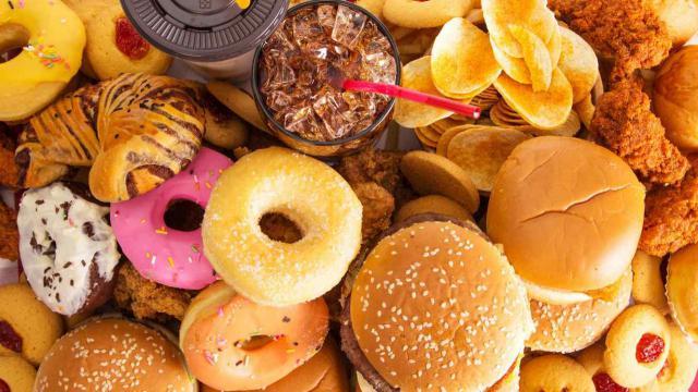 El 31,4% de los toledanos sigue una dieta inadecuada y abusa de bebidas azucaradas, bollería y comida rápida