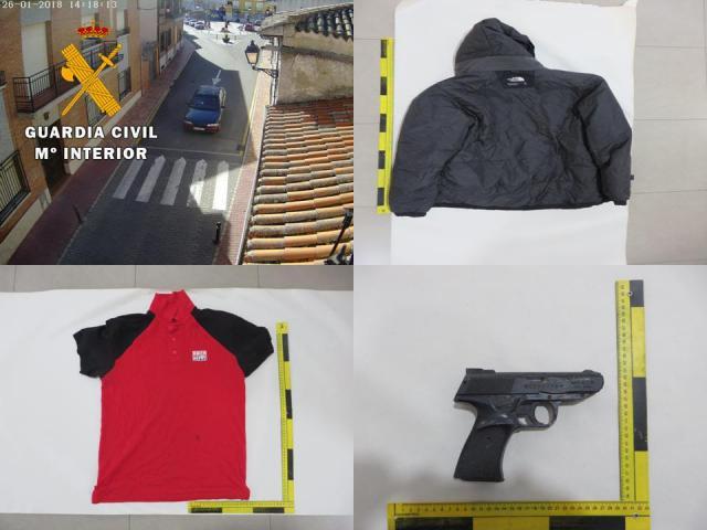 La Guardia Civil detiene a los dos atracadores de una sucursal en Yuncler