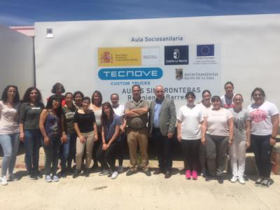 Dos aulas móviles permiten realizar cursos de formación en Cebolla y Belvís