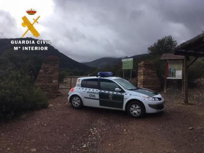 La Guardia Civil auxilia una senderista herida en Los Navalucillos