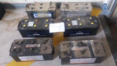 Dos nuevos detenidos por robar 12 baterías de camiones