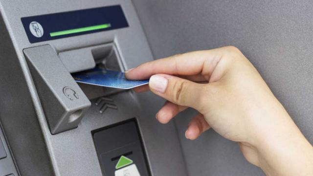 Detenida por sacar 1.200 euros con la tarjeta que le robó a su jefe