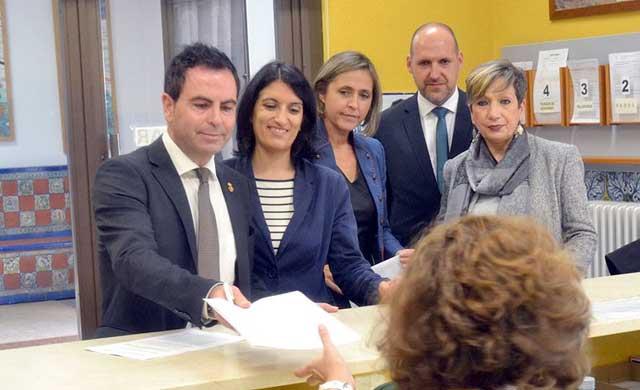 PSOE pide al alcalde que revoque la licencia de la gasolinera