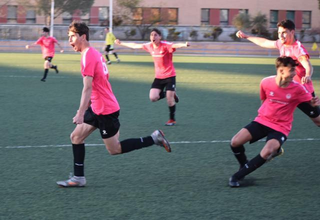 FÚTBOL | Un gol en el descuento da la victoria al CF Élite Talavera frente al Dinamo de Guadalajara