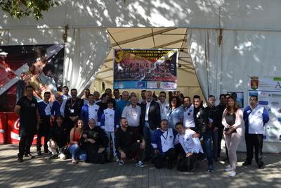 Solidaridad a favor de Altares San Blas 'a corte de jamón'
