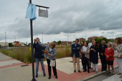 Inaugurada la calle Javier García Verdugo