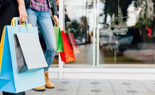 3 de cada 5 consumidores compran productos rebajados que no necesitan