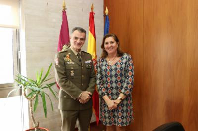 La Junta y la Academia de Infantería estrechan lazos para colaborar en futuros proyectos