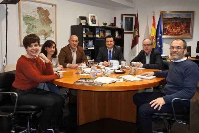 Martínez Arroyo aborda las políticas medioambientales de la PAC y la política del agua con Greenpeace y Global Nature