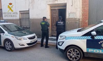 Detienen a tres hombres mientras robaban en una vivienda