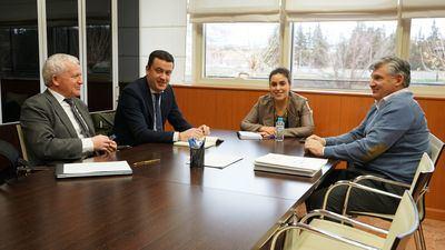 Junta y Liberbank avanzan en el fomento del alquiler social