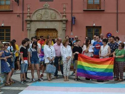 Talavera ha lucido numerosas banderas LGTBI para celebrar la semana del orgullo