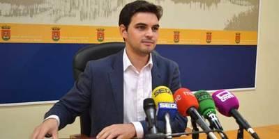 """Santiago Serrano (PP): """"En el debate se demostrará quién está trabajando por Talavera, qué proyectos se han conseguido y la hoja de ruta que tenemos marcada para los próximos años"""""""