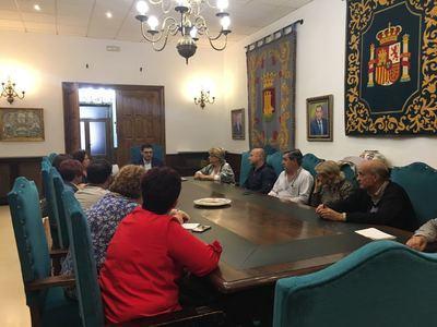 Reunión de las Asociaciones de Vecinos talaveranas para gestionar los fondos EDUSI