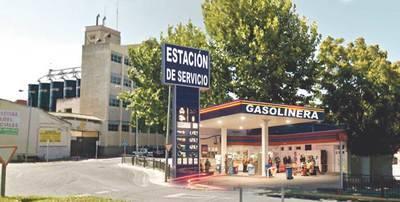 Pol�mica en el barrio del Pilar por la instalaci�n de una gasolinera