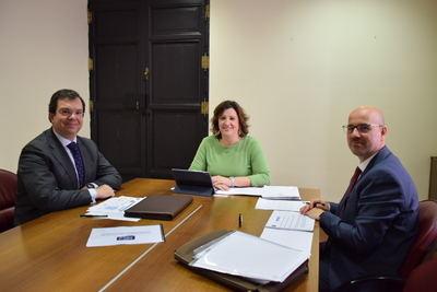 La consejera de Economía, Empresas y Empleo conoce los nuevos proyectos en materia de sostenibilidad e innovación de Aquadeus