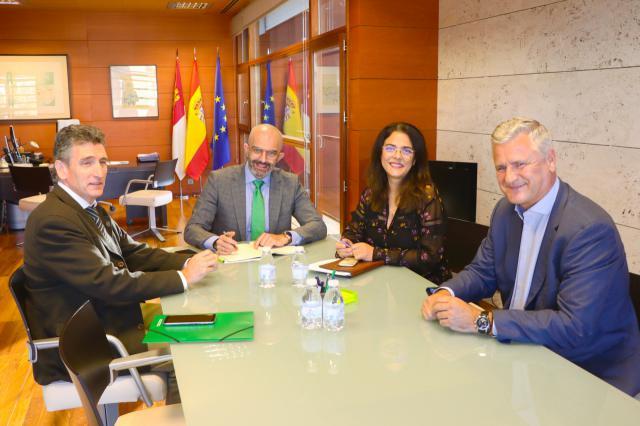 Reunión para abrir nuevas vías de colaboración entre ambas instituciones.