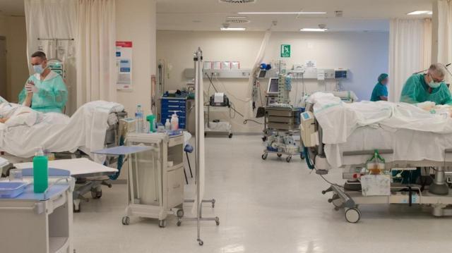 COVID-19 | Desciende el número de pacientes ingresados en cama convencional y UCI