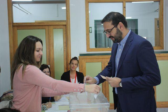 Gutiérrez anima a votar y espera que se pueda ejercer con normalidad el derecho al voto en toda España