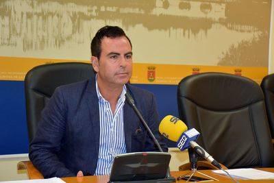El Gobierno Municipal ha dejado abandonadas las instalaciones deportivas