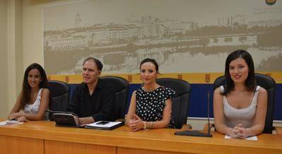 Talavera presenta el premio Aguja de Cerámica 2017 para ensalzar el sector textil