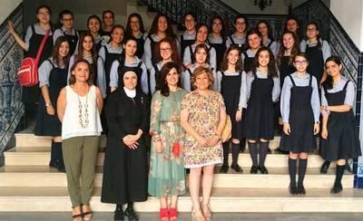 Las alumnas de la Compañía de María visitan el Ayuntamiento