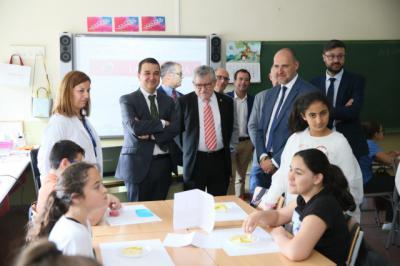 Los consejeros de Agricultura y Educación visitan el CEIP 'Pablo Iglesias' de Talavera