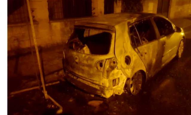 Queman 8 contenedores y un coche en Talavera
