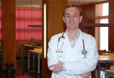 Un alergólogo talaverano, autor de un libro sobre una enfermedad rara
