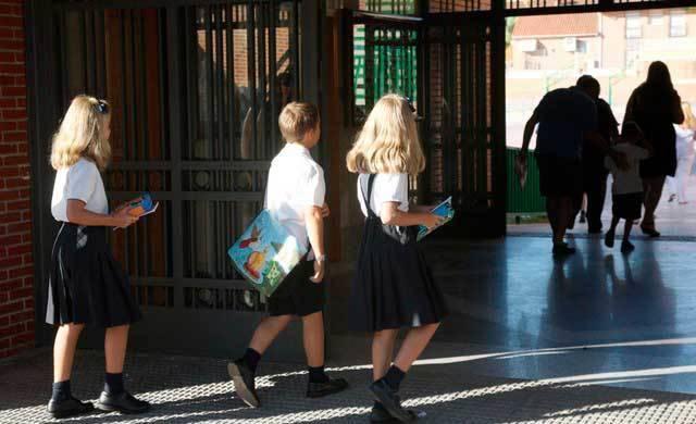 Piden la reducción de unidades educativas en la concertada y la pública