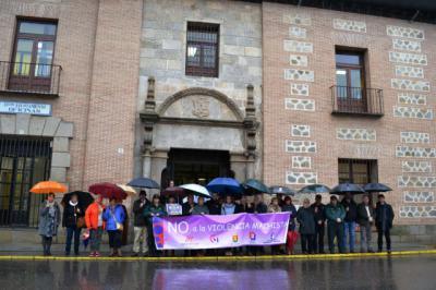 Minuto de silencio en Talavera contra la violencia de genero