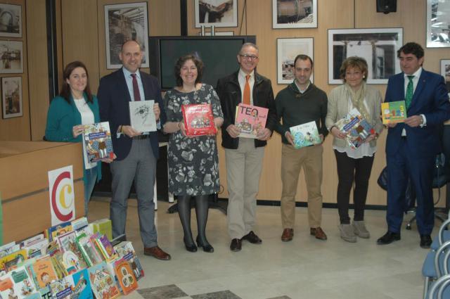 Onda Cero recoge más de 350 libros infantiles para los centros de Atención Primaria de Talavera