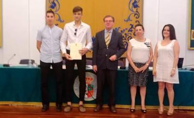 La UCLM premia a los alumnos destacados de CLM, entre ellos, un talaverano