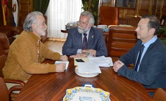 La patronal talaverana pide a Ramos que rechace el trazado del AVE por Toledo