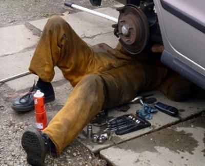 El 15% de los talleres de reparación de coches en Talavera son ilegales