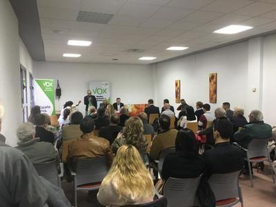 """VOX Talavera reúne a decenas de vecinos para conocer """"la alternativa"""" del partido"""