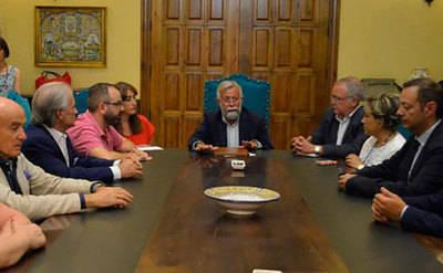 Jaime Ramos firma el decálogo de medidas para Talavera de la Reina