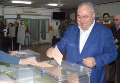 Tirado ejerce su derecho a votar en Toledo