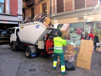 Vecinos del Casco de Toledo reclaman a Tolón poder reciclar mientras la licitación de recogida de basura sigue atascada