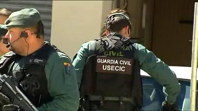 La Guardia Civil de patrulla por la localidad