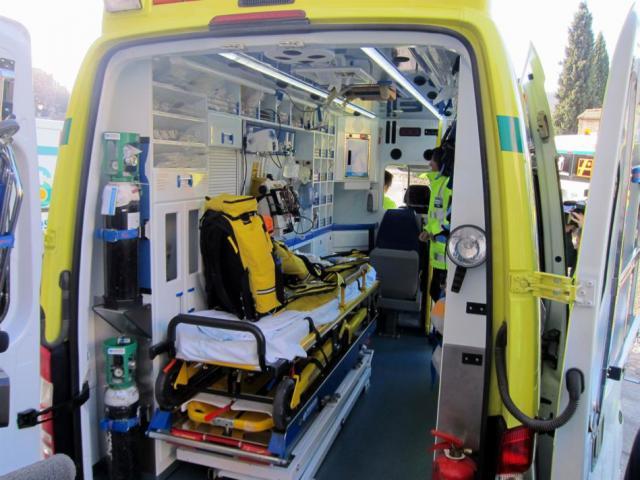 ACCIDENTE | Dos heridos graves y diez leves tras chocar un coche, un camión y un autobús