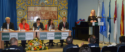 Sesenta alumnos del Centro UNED Talavera reciben la banda de graduación