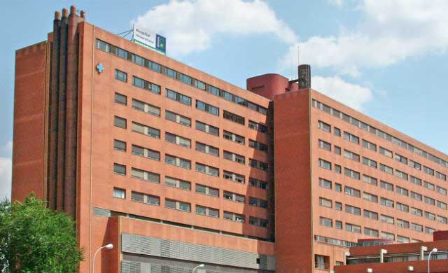 Un niño de tres años herido leve tras caer desde un tercer piso