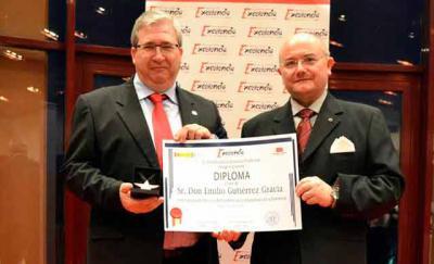 Emilio Gutiérrez galardonado con la Estrella de Oro del Instituto para la Excelencia Profesional
